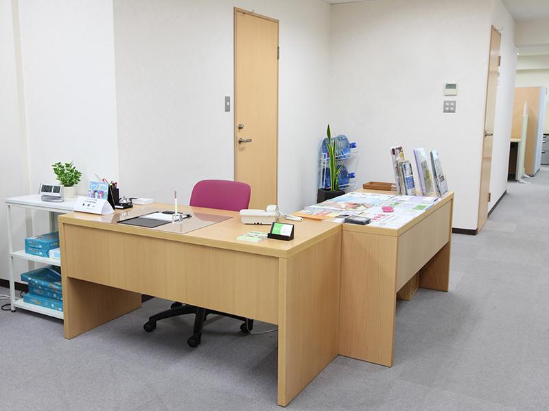 エリンサーブ神戸レンタルオフィス受付